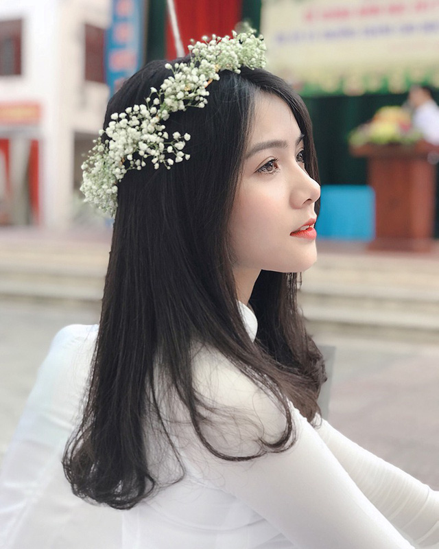 thien-than-ao-dai-dep-tuyet-trong-le-be-giang-cuoi-cung-thoi-hoc-sinh-04